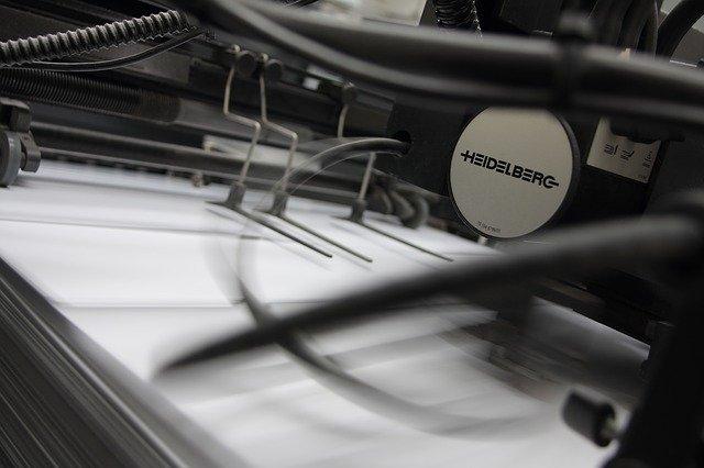 Quelles sont les imprimantes adaptées aux journaux ?